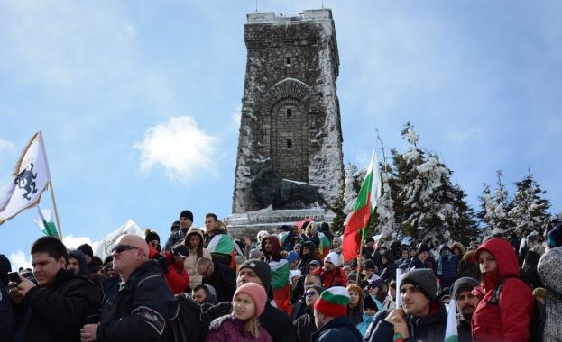 За тържествата на връх Шипка по случай Националния празник на