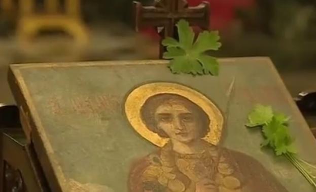Преподобни Алексий бил единствен син на Евфимиан и Аглаида -