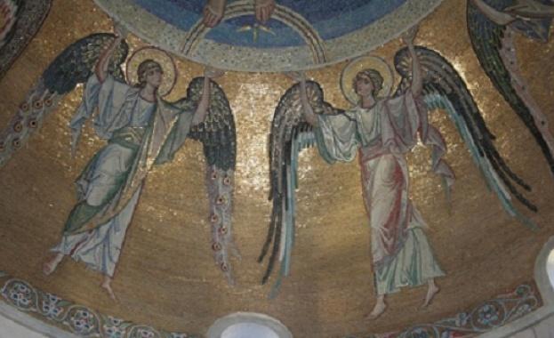 Преподобни Никита произхожда от Кесария Витинска, от благочестиви родители. Баща