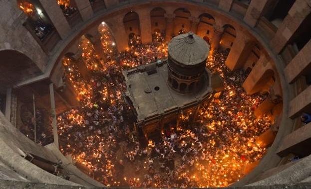 Благодатният огън ще стигне до всеки православен храм и тази година