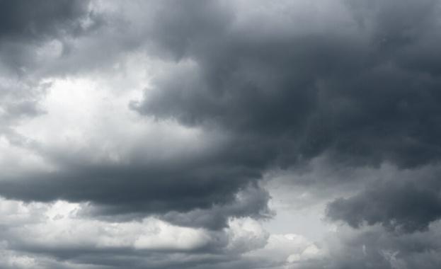 Днес от запад отново ще започне увеличение на облачността, а