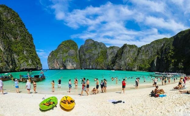 """Райският залив, станал известен от филма """"Плажът"""" – затворен за туристи до 2021 г."""