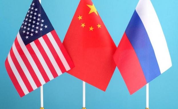 """""""Комерсант"""": Русия и Китай """"смъмриха САЩ"""""""