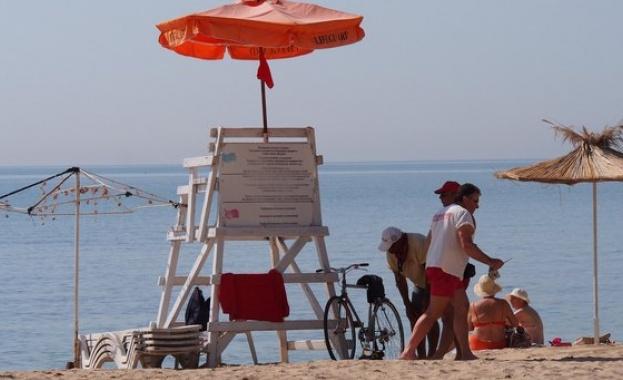 Спасителни постове ще има дори на плажовете без стопани в Бургаско