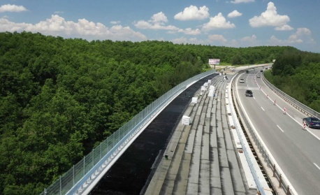 """Трафикът по АМ """"Тракия"""" от 5-ти до 9-ти км ще е двупосочно в обновеното платно за Бургас"""