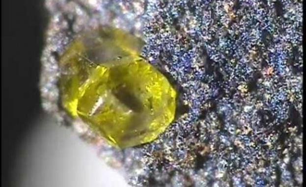 В Русия откриха диамант с изключително редки лимоненожълти нюанси
