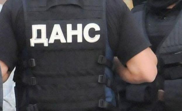 Специализирана операция на ДАНС и прокуратурата се провежда в Ботевград,