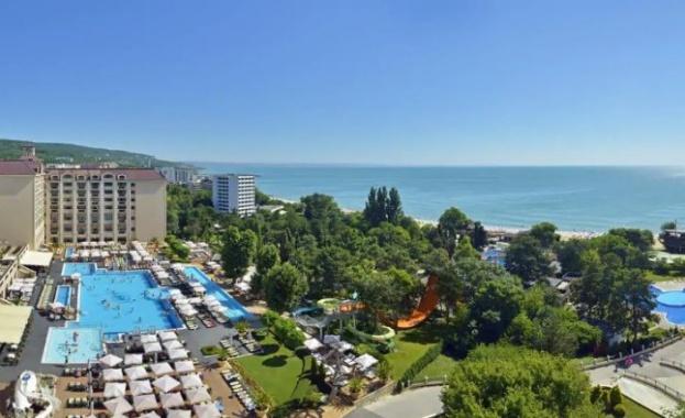 Три хотела в курорта