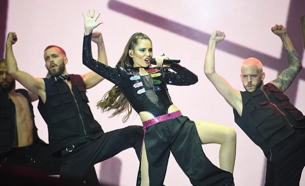 Лейди Гага и Ариана Гранде водят по номинации за видео