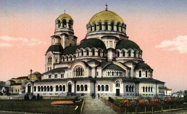 """Литургиите от """"Св. Александър Невски"""" ще се излъчват във Facebook на живо"""