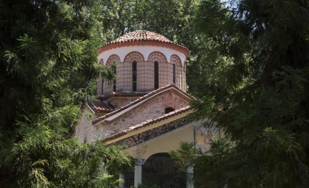 """Отварят за поклоници църквата """"Свети Архангели"""" в Бачковския манастир"""