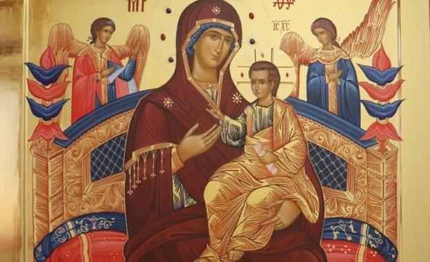 """Чудотворната икона Света Богородица """"Всецарица"""" идва в София"""