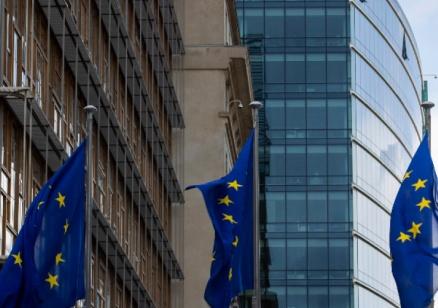 """България катастрофира в челен сблъсък с пакета """"Мобилност"""""""