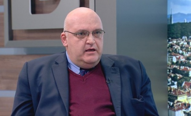 Д-р Брънзалов: Тези 10 лв. ще се плащат на всички лекари, които ваксинират