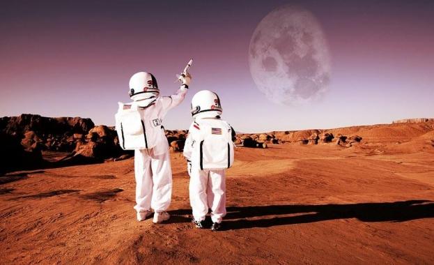 НАСА наема астронавти за мисия до Луната. От американската космическа