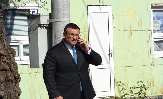 Министър Маринов: Чакаме Великобритания да каже дали камиона от Есекс е с български номера и табели (СНИМКИ)