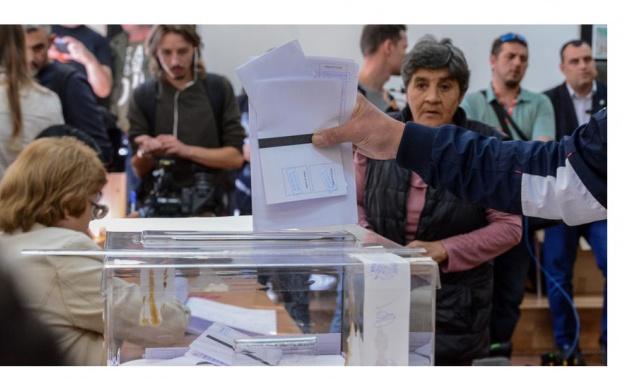 Съмнения за опорочаване тайната на вота в две училища в Тетевенско