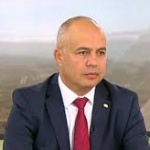 Георги Свиленски: Борисов търси начин да си купи време за оцеляване във властта