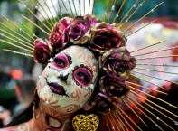 Мексико отбеляза Деня на мъртвите с пищен парад
