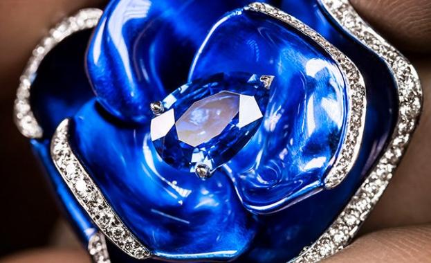 Цъфтящи рози върху ръцете: новите пръстени Dior Rose Pop (Снимки)