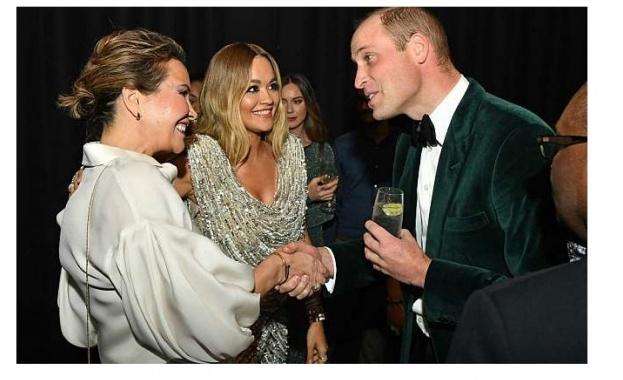 Принц Уилям бе забелязан да целува Рита Ора