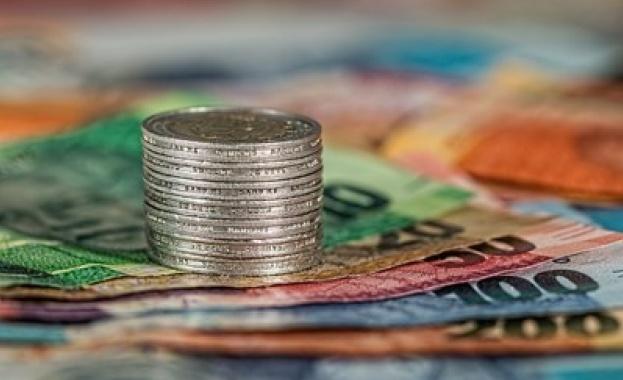 Спестяванията в банките скочиха с 380 млн. лв. за месец