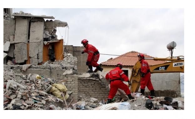 Броят на жертвите на земетресението в Албания расте