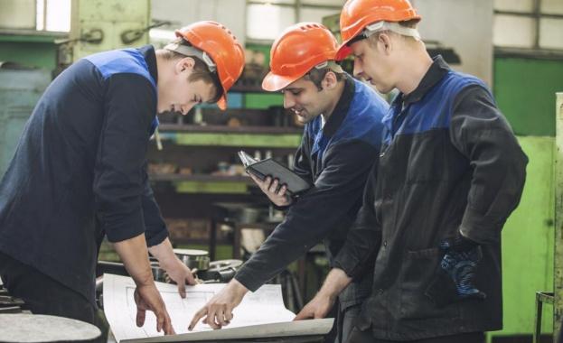 Работещите в сивия сектор може да са около 30 на сто