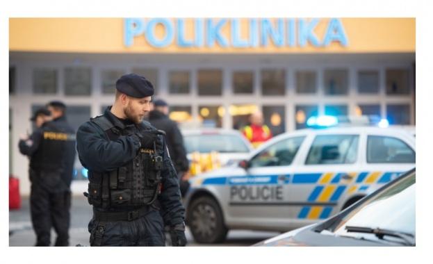 Най-малко 6 души са убити при стрелба в болница в Чехия