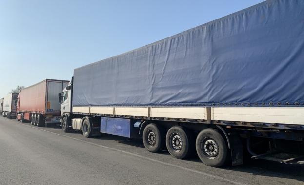 Румънската полиция хвана нелегални мигранти, укрити в камион, управляван от българин