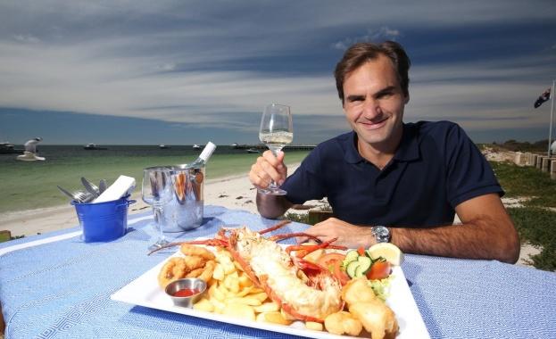 Роджър Федерер е най-скъпоплатеният спортист за 2020 г., сваляйки от