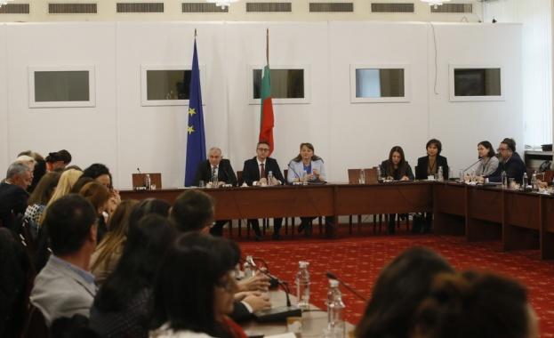 Кристиан Вигенин: Има нужда от промени в Закона за социалните услуги