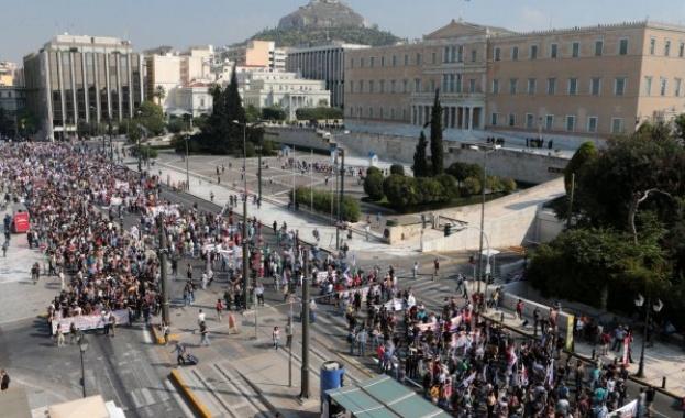 Обща стачка блокира Атина