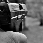 """Мъж стреля осем пъти с пистолет в блок в """"Студентски град"""""""