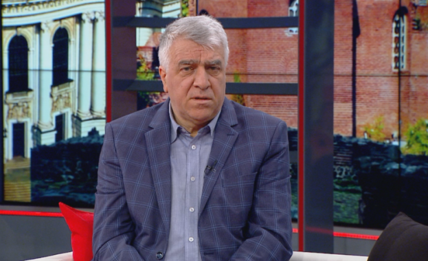"""""""Бюджетната комисия на парламента вече близо месец и половина не"""