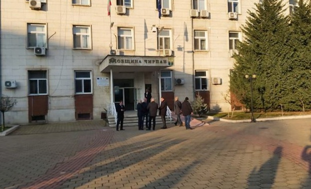 Девет души са задържани при акцията в Чирпан и Стара Загора