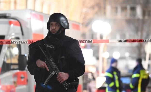 10 загинали при стрелба в два бара в Германия