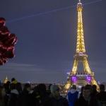 Фалшива бомбена заплаха евакуира Айфеловата кула