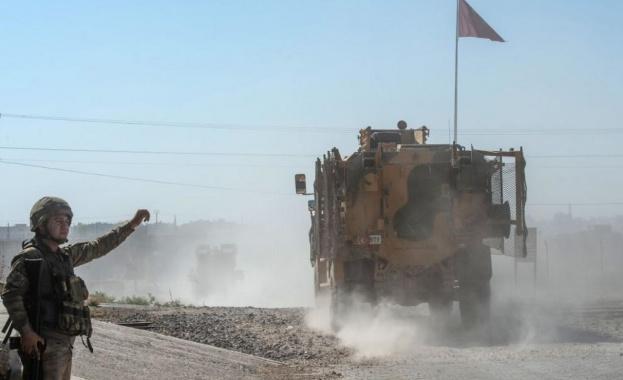 Турските военни, които попаднаха под обстрела на сирийските войски на