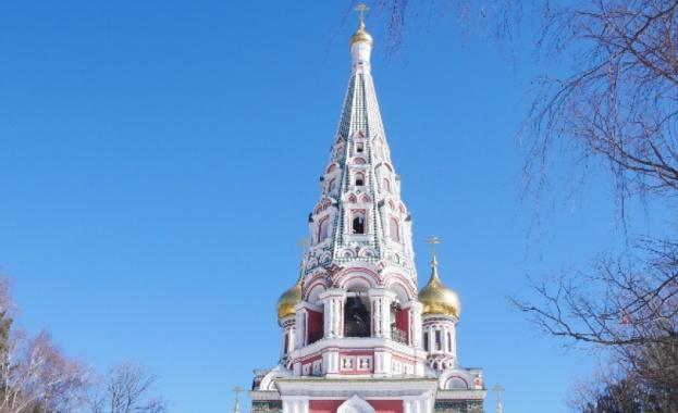 """Кулата на храма """"Рождество Христово"""" на Шипка се руши, нужни са 1 млн. лева за укрепване"""