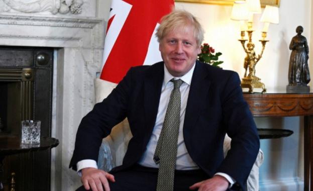 Британският премиер Борис Джонсън предупреди, че ще бъде твърд в