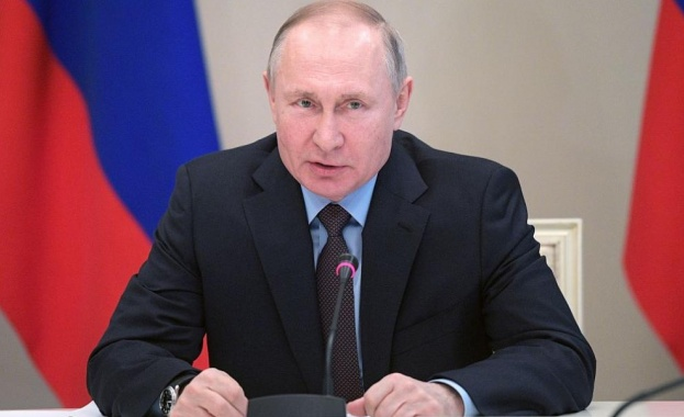 Песков разказа за военното звание на Путин