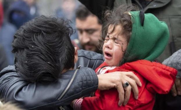 Турция спаси мигранти от лодки край бреговете на Егейско море