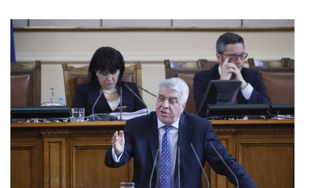 Румен Гечев за икономическите мерки:  Правителството не дава гаранции, че средствата ще достигнат до  нуждаещите се