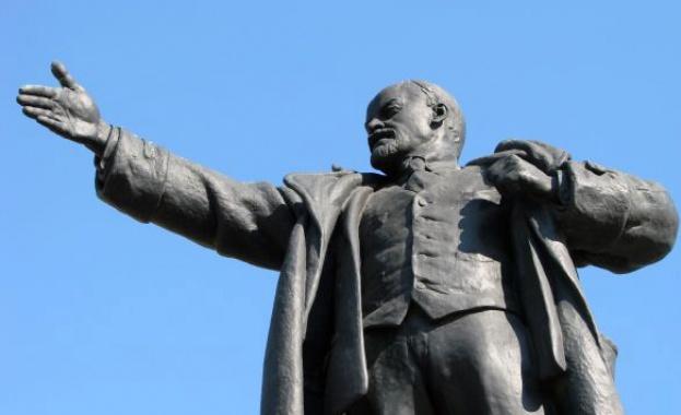 Статуя на Владимир Ленин ще бъде издигната в западногерманския град