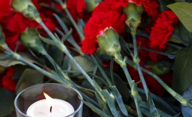 Франция отдава почит на убития преподавател