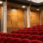 Оперативен щаб: Театри и кина могат да работят, ако продават билети през едно място