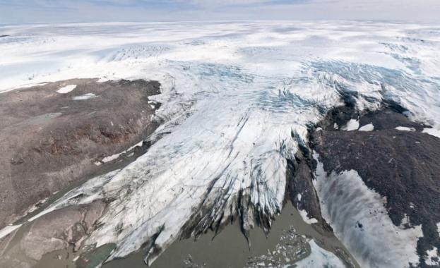 Ледът в Гренландия и Антарктида се топи 6 пъти по-бързо,