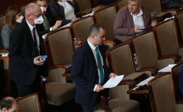 Приеха окончателно Закона за мерките при извънредно положение