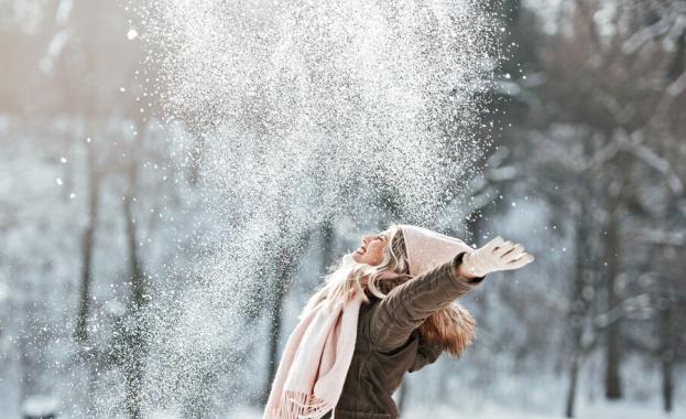 Над 150 снегопочистващи машини почистват улици и булеварди в столицата